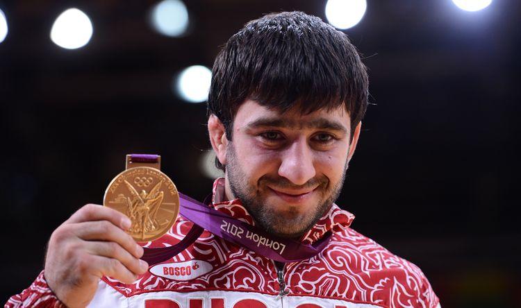 Мансур Исаев с золотой медалью Олимпиады в Лондоне