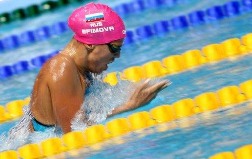 Сборная России по плаванию лишилась золотых медалей и рекорда