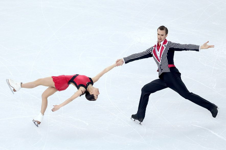 the math in figure skating Mathematics a geometric form consisting of any combination of points spread eagle - a skating figure executed with the skates heel to heel in a straight line.